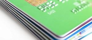 En stak kreditkort med chip